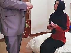 Arab Babe Gets Cunt Stretched By Long Schlong