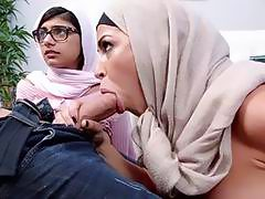 Arab sluts do not mind having a 3some at all